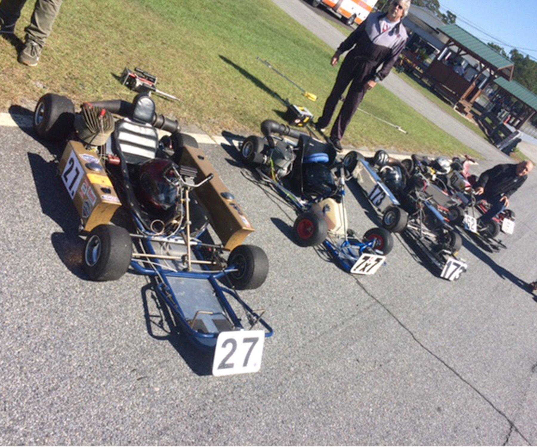 On the grid – Terry Armstong's Quicksilver powered by a 135cc Dap T62 reed sits besides the number 7x7 sit-up sprinter.